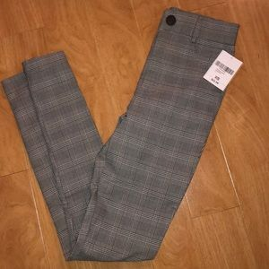 NWT forever 21 skinny high rise pants.